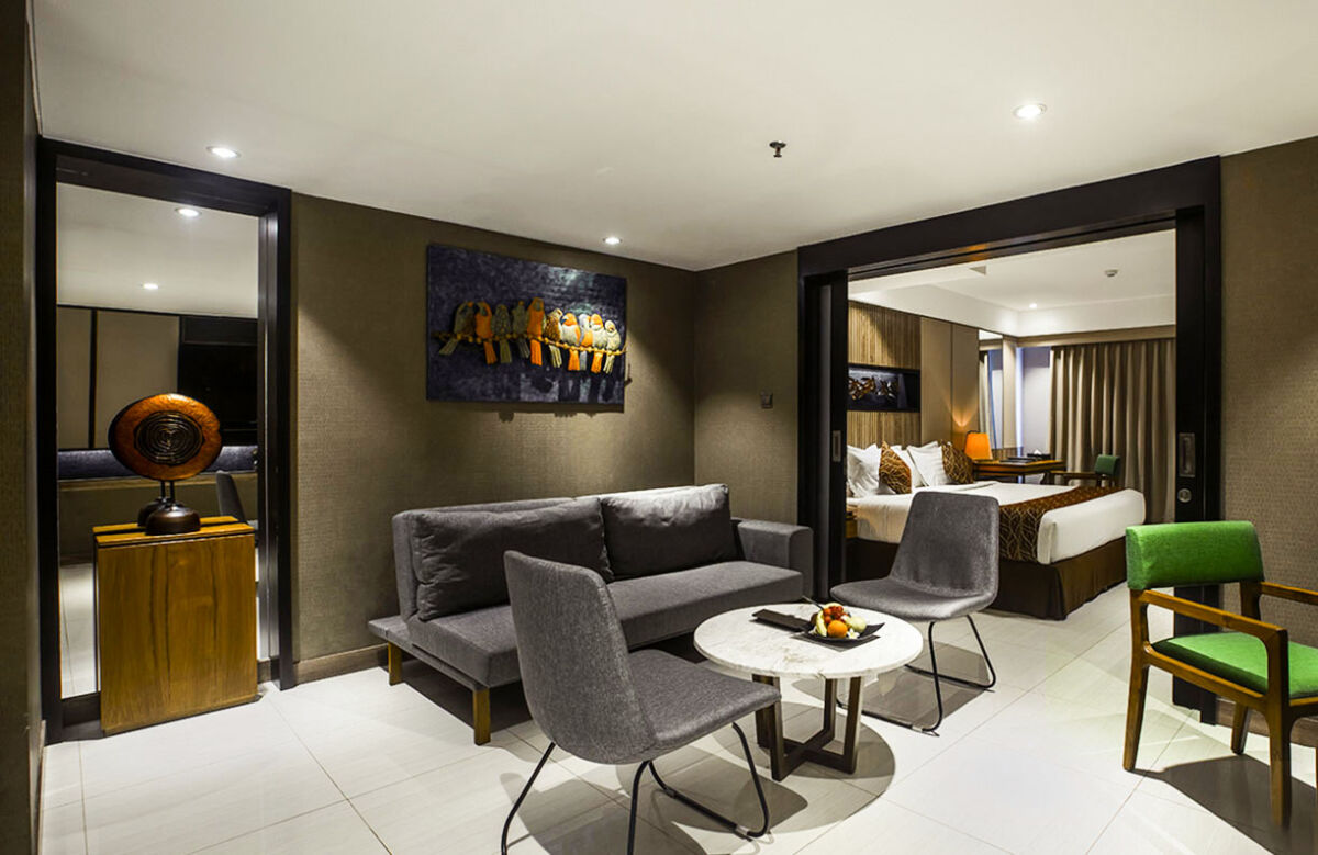 Executive Suite Room-Living room